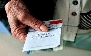 A quelques jours de 2014, année riche en rendez-vous électoraux, mairies, associations et élus font feu de tout bois pour pousser à participer au vote les près de trois millions de Français non inscrits sur les listes.