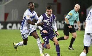 Mathieu Cafaro, le milieu offensif du TFC, lors d'un match de Coupe de la Ligue face à Auxerre, le 26 octobre 2016.
