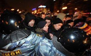 L'opposition russe a appelé mardi à de nouvelles manifestations et réaffirmé sa détermination après l'élection de Vladimir Poutine, malgré les centaines d'interpellations de la veille qui tranchent avec la relative tolérance à l'égard de la contestation ces deux derniers mois.