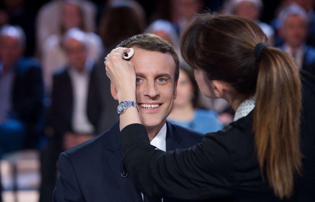 L'Elysée devrait s'acquitter d'une facture de 26.000 euros pour régler les trois mois de prestation de la maquilleuse professionnelle d'Emmanuel Macron. – CHAMUSSY/SIPA