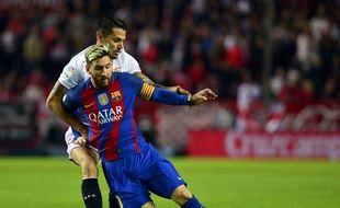 Lionel Messi marque contre le FC Séville