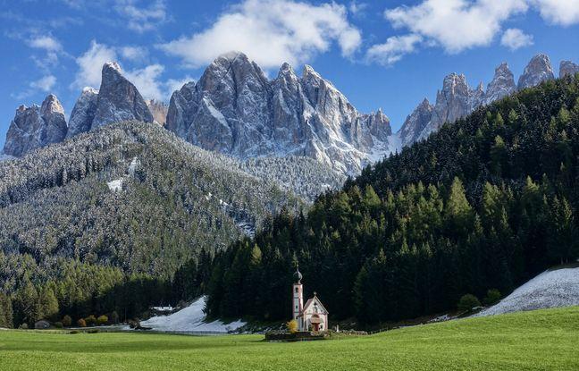 Star du réseau social Instagram, l'église San Giovanni in Ranui est l'icône photographique du Val di Funes.