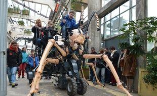La fourmi de la Galerie des machines.