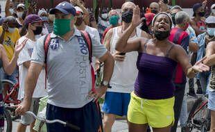 Des manifestants contre la politique du gouvernement, à La Havane le 11 juillet 2021.
