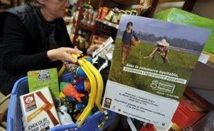La huitième Quinzaine du commerce équitable qui débute samedi en France devrait sensibiliser davantage les consommateurs à la problématique de l'aide aux pays pauvres, en pleine crise alimentaire.