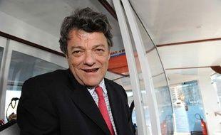 Jean-Louis Borloo, ministre de l'Ecologie, le 17 mars 2010 à Marseille.