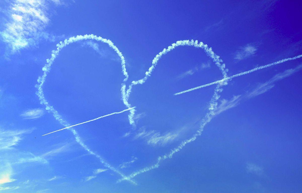 Illustration d'un coeur réalisé par des avions à l'occasion de la Saint-Valentin. – Mashkova/Cates New Agency/SIPA