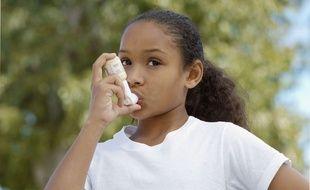 L'asthme peut offrir un terrain propice au développement d'une apnée du sommeil chez les jeunes enfants. (illustration)