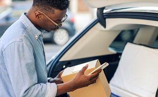 Covoiturage de personnes ou de colis, location de parking ou pose de publicités sur la carrosserie, votre voiture peut vous rapporter de l'argent.