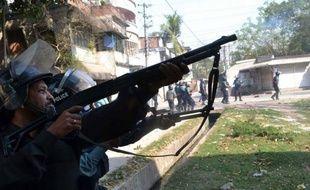 """Jamaat affirme que 50 de ses sympathisants """"innocents"""" sont tombés jeudi sous les balles de la police qui les """"chassait comme des oiseaux"""". Pour Sultana Kamal, les islamistes ont mené des attaques """"terroristes""""contre la police."""