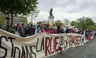 """Paris le 22/04/2017 - Manifestation pour un """"premier tour social"""" place de la Republique.//GELYPATRICK_1104.032/Credit:PATRICK GELY/SIPA/1704231514"""