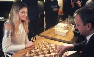 Duel au sommet entre la championne de France Sophie Milliet et le président de la Fédération internationale des échecs Arkady Dvorkovich