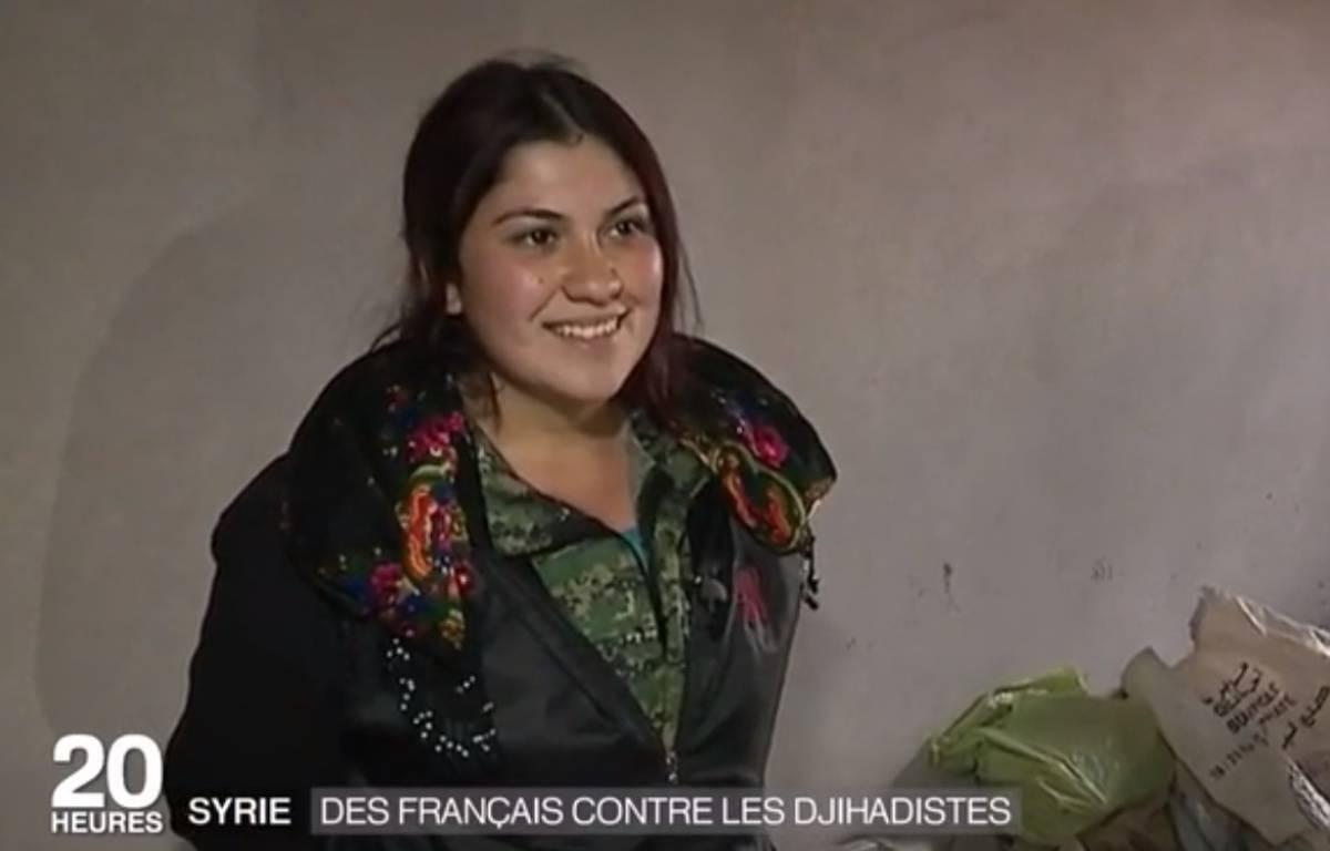 Ebru Firat, lors d'un reportage de France 2 sur les Français partis en Syrie combattre Daech – France 2 / Capture ecran