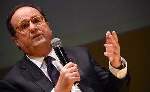 François Hollande à Bordeaux le 1er décembre 2017.
