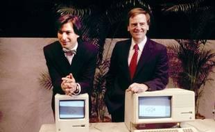 En 1984, Steve Jobs, le futur PDG d'Apple et John Sculley présentent le tout nouveau Macintosh.