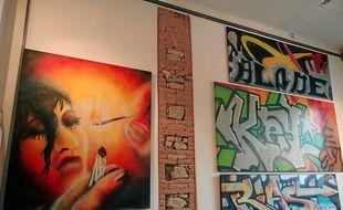 Dix-neuf toiles réalisées entre 1982 et 1992 sont exposées à Spacejunk.