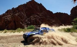 Le pilote Volkswagen Giniel De Villiers, lors dela troisième étape du Dakar, le 4 janvier 2011 entre Tucuman et Jujuy.