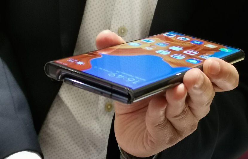 Huawei : Il faudra payer plus de 900 euros pour remplacer l'écran pliable du Mate X