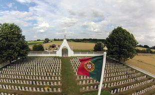 Le cimetière militaire portugais qui abrite les dépouilles de 1831 soldats tombes en 1918 dans la région. Ce cimetière est l'unique lieu de mémoire rappelant l'engagement du Portugal aux cotés des alliés au cours de la Premire Guerre mondiale.