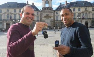 Ronan Corre et Fabrice Touba, les deux concepteurs du site Sherlook.