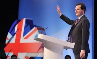"""Le ministre britannique des Finances George Osborne a déploré le """"veto"""" de l'Allemagne dans les discussions sur la fusion entre EADS et BAE qui selon lui méritaient d'être poursuivies, rapportait samedi la presse britannique."""