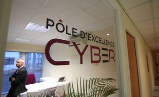 Illustration de la cybersécurité, ici au pôle d'excellence Cyber, ouvert à la DGA de Bruz, près de Rennes.