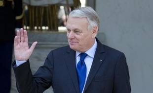 Le Premier ministre Jean-Marc Ayrault à la sortie du Conseil des ministres le 26 mars 2014 à l'Elysée à Paris
