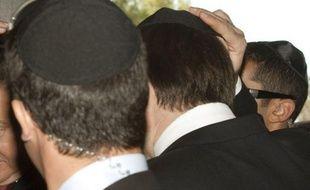 """Le Premier ministre, Jean-Marc Ayrault, a condamné lundi à Forbach l'agression de trois jeunes juifs près de Lyon, un acte """"très grave"""", d'une """"violence insupportable""""."""