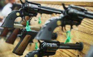 Des pistolets exposés au congrès annuel de la NRA (National rifle association) à Louisville, dans le Kentucky, aux Etats-Unis, le 21 mai 2016