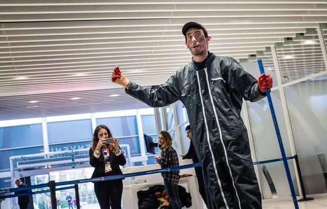L'agent d'entretien (joué par un acteur) à l'escape game du PSG.