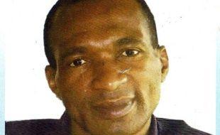 Le Français Michel Thierry Atangana, détenu depuis 1997 au Cameroun pour une affaire de détournement de fonds publics qu'il niait, a été libéré lundi en fin de soirée à Yaoundé après un décret présidentiel de remises de peine.