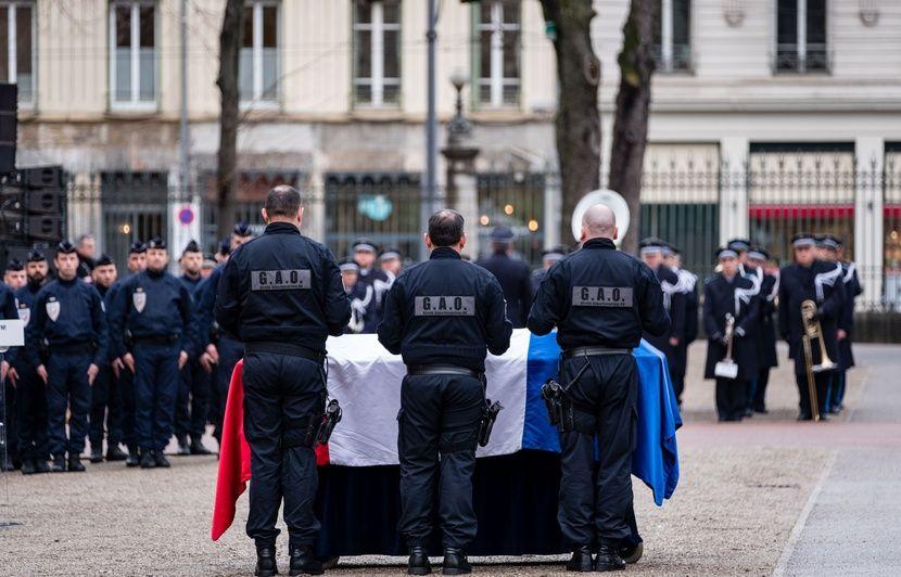 Policier tué près de Lyon : Un jeune de 15 ans mis en examen pour « vol suivi de violences ayant entraîné la mort »