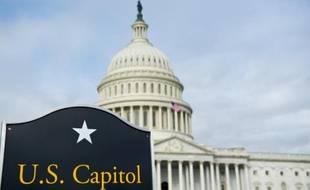 La dette publique des Etats-Unis a dépassé l'ancien plafond légal que le Congrès a accepté de suspendre mercredi au terme d'une intense crise politique, selon des données publiées vendredi par le Trésor américain.