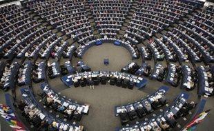 La Commission européenne a demandé lundi au Parlement européen d'approuver en urgence un versement de 2,7 milliards d'euros supplémentaires pour le budget 2013 afin d'éviter à l'Union européenne de se retrouver en cessation de paiement à la mi-novembre.