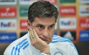 Michel, entraîneur de l'Olympique de Marseille en République Tchèque le 9 décembre 2015.