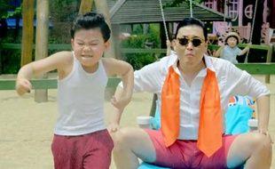 Une image du clip du titre Gangnam Style de PSY.