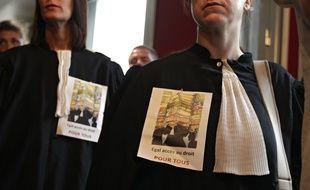 Les avocats du barreau de Lille protestent contre la réforme de l'aide juridictionnelle.