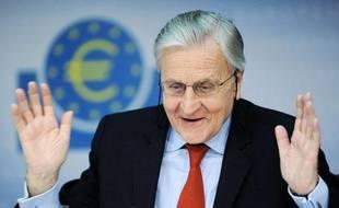 Jean-Claude Trichet, président de la banque centrale européenne (BCE) lors d'une conférence de presse à Francfort (Allemagne) le 2 décembre 2010