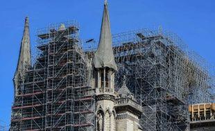 L'échafaudage au dessus de Notre-Dame inquiète toujours.
