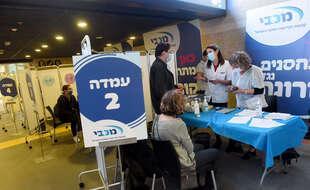 La campagne de vaccination a aussi démarré en Israël. Ici à Jérusalem, le 22 décembre 2020.
