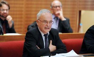 Le socialiste Gérard Bonnet a été élu vendredi président du conseil général de la Corrèze en remplacement de François Hollande, lors d'une séance durant laquelle Bernadette Chirac a rappelé que ce département avait donné deux présidents à la France.