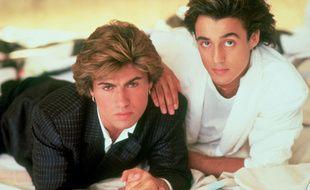 Les chanteurs George Michael et Andrew Ridgeley du temps de Wham!