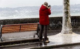 Illustration du mauvais temps, de la pluie et des vents.