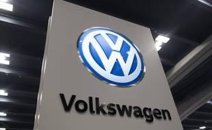 Le logo de Volkswagen lors d'un salon à San Francisco (illustration).