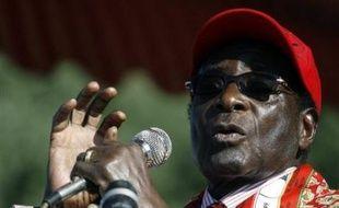 Le président zimbabwéen Robert Mugabe a profité jeudi de son dernier meeting de campagne pour se dire à nouveau prêt à négocier, après le second tour de l'élection présidentielle vendredi, avec l'opposition qui ne participera pas au scrutin.