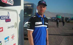 Michael Metge, porteur d'eau de Cyril Despres, le 14 janvier 2014 sur le Dakar.