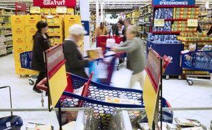 Les consommateurs profitent d'une augmentation de leur pouvoir d'achat grâce à la chute des prix du pétrole