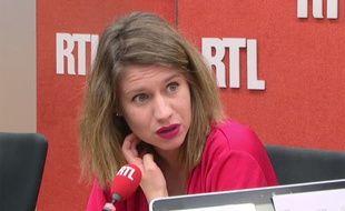 Paris, le 18 novembre 2014. Diane Lazarevic s'exprime sur RTL après la vidéo montrant son père, Serge, aux mains d'Aqmi.