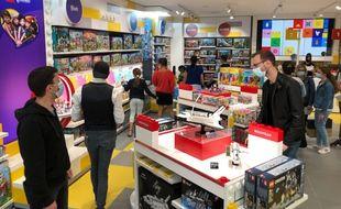 A l'intérieur du Lego store de Nantes-Atlantis.