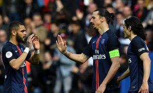 Zlatan Ibrahimovic célèbre son but lors de PSG-Caen, le 16 avril 2016.